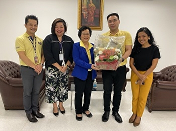 Mr. Watcharawish Permsinphantong Head of Hotel Management Program and Lecturers of Hotel Management Program Greeted Asst.Prof.Dr.Krongthong Khairiree on the Occasion of New Year's Day of 2021.